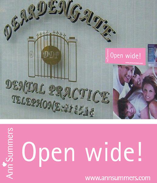 Publicidad sex shop en la consulta de un dentista